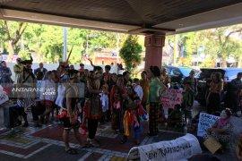 Puluhan seniman minta DPRD Surabaya pertahankan Kampung Seni THR