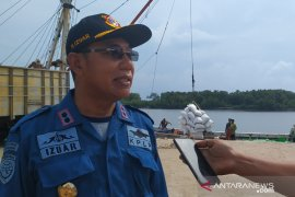 KSOP Pangkalbalam instruksikan bongkar puluhan ton bawang dan cabai