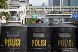 Meski sudah kondusif, polisi masih bersiaga di Petamburan