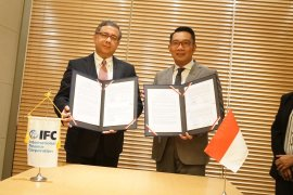 Jabar dan IFC kerja sama pengembangan infrastruktur dan revitalisasi BUMD
