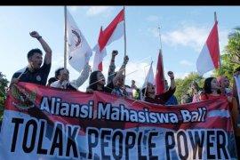 Aksi menolak gerakan People Power