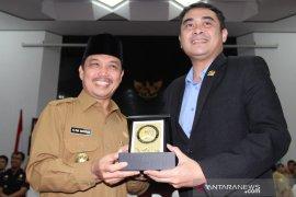 Pertemuan DPD RI dan Pemerintah Provinsi Kalbar untuk membahas wilayah negara