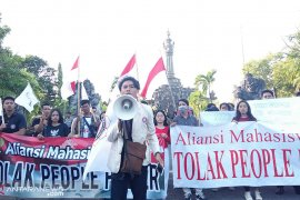 "Mahasiwa se-Bali tolak ""people power"" di Monumen Bajra Sandhi-Denpasar (video)"