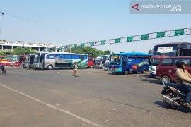 Waduh, ada belasan bus di Terminal Bekasi tidak laik jalan