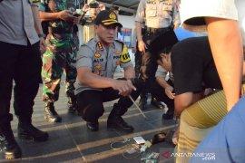 Polisi temukan senjata tajam penumpang kereta aksi demo