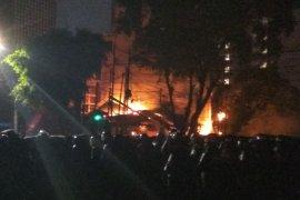 Warung sate-Pospol Sabang terbakar saat kerusuhan Bawaslu