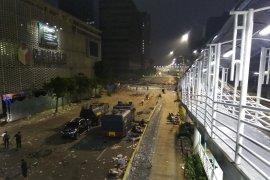 Adzan subuh, massa kerusuhan 22 Mei masih bertahan
