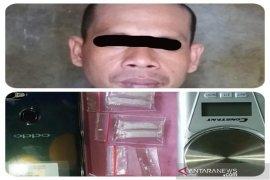 Polisi tangkap pengedar narkotika miliki lima paket sabu-sabu