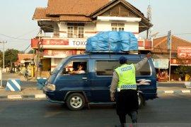 Ribuan tolo-tolo disiapkan di jalur mudik Karawang