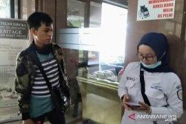 Keluarga korban kericuhan 22 Mei datangi RS Pelni Jakarta