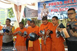 Lima anggota sindikat jambret wisatawan asing ditangkap Polsek Kuta