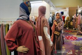Tren Hijab dan Wedding Expo 2019 Page 1 Small