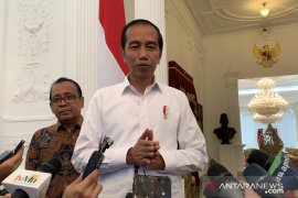 Jokowi beri tambahan waktu 3 bulan bagi Kapolri ungkap kasus Novel