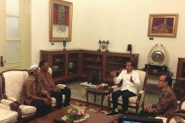 Presiden Jokowi dialog dengan korban penjarahan dari aksi 22 Mei