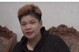 Gloria Elsa kumpulkan make up  bekas untuk rias jenazah
