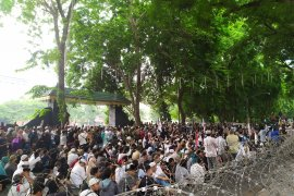 Aksi lanjutan 22 Mei di gedung DPRD Sumut
