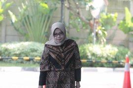 KPK periksa Eni Saragih terkait perkara korupsi Samin Tan