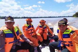 Tim SAR temukan jenazah Saiful yang tenggelam di Nanga Sepauk