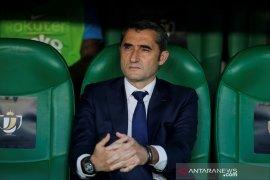 Gagal bawa Barca raih trofi Piala Raja, nasib Valverde terancam