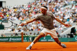 Federer menangi pertandingan pertama Roland