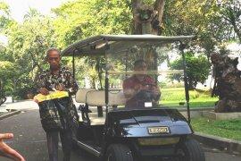 Usai bertemu Jokowi, Usma korban kericuhan disuruh berjualan dan kerja keras lagi