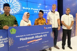 "XL Axiata-Kemenag luncurkan program ""Madrasah Aliyah 4.0"""