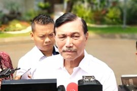 Luhut sebut Joko Widodo masih upayakan pertemuan dengan Prabowo