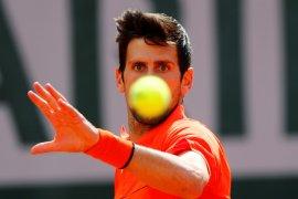 Djokovic melenggang ke babak kedua