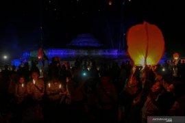 Perayaan Waisak di Candi Muara Takus Riau Page 3 Small