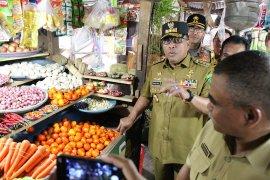 Gubernur Murad telepon Mendag minta perbaikan pasar Mardika