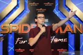 Gantengnya Bintang Thor & Spiderman sapa penggemarnya di Indonesia Page 5 Small