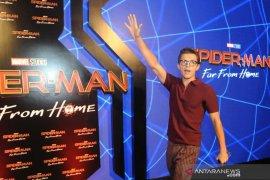 Gantengnya Bintang Thor & Spiderman sapa penggemarnya di Indonesia Page 4 Small