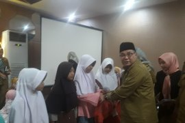 Bapenda Banten santuni ratusan anak yatim
