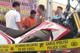 Polisi tangkap dua tersangka pencurian sepeda motor di Banda Aceh
