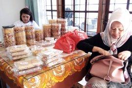 Rose, kue kering legendaris di Padang yang selalu diburu jelang Lebaran