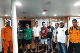 Lima penumpang long boat mati mesin bukan mudik lebaran