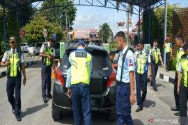 Syamsudin Noor Airport random checks vehicles