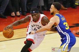 Warriors keok dari Raptors di seri ketiga