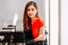 Mikha Tambayong diterima kuliah di Universitas Harvard
