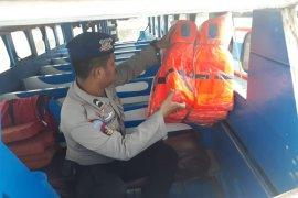 Polisi minta kapal cepat lengkapi alat keselamatan