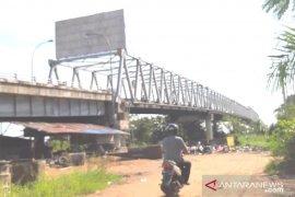 Mobilitas kendaraan di Jembatan Kapuas II lancar