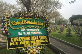 Kepolisian rekayasa lalu lintas saat pemakaman Ani Yudhoyono di Kalibata