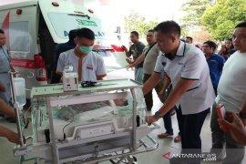 Bayi yang dibuang di semak-semak mendapat perawatan
