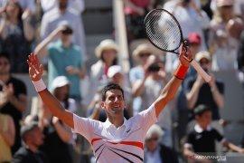 Djokovic melaju ke putaran empat Prancis