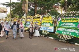 Masyarakat umum juga datang melayat Ani Yudhoyono