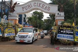 Jenazah Ani Yudhoyono diberangkatkan dari Puri Cikeas ke TMP Kalibata