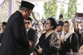 Megawati dan Puan enggan komentar terkait Alm Ani Yudhoyono