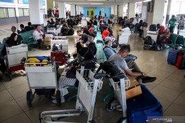 Penumpang melalui Bandara Juanda turun 25 persen selama Lebaran