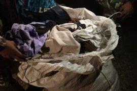 Satgas Pamtas gagalkan penyelundupan baju bekas asal Malaysia