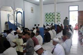 Sebagian warga di kabupaten Seram Bagian Timur rayakan Idul Fitri